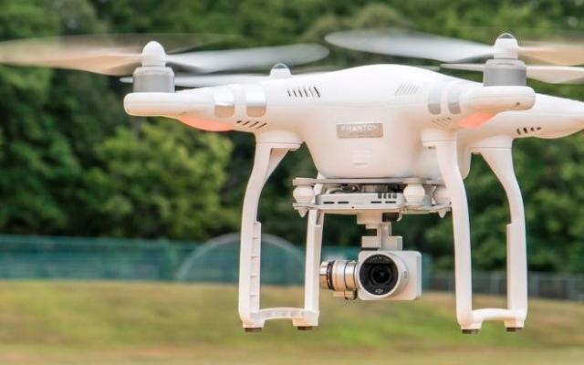 Kiedy warto wynająć drona?