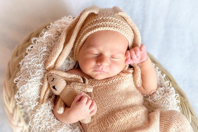 Przewijak dla niemowląt – obowiązkowy element wyprawki dla dziecka